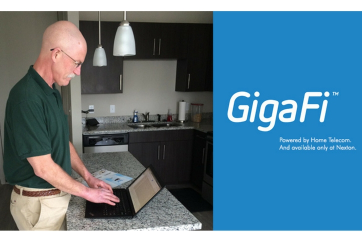 GigaFi_man_with_laptop.jpg