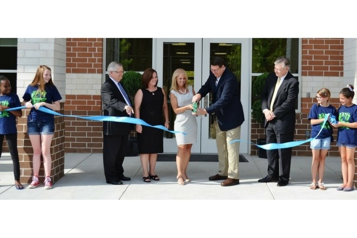 school_ribbon_cutting.jpg