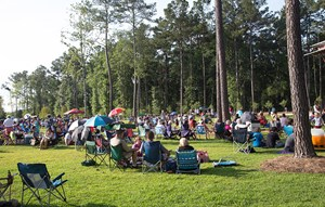 Outdoor concert in Brown Park at Nexton