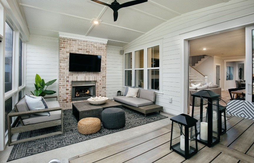 Homes_By_Dickerson_Model_patio2.jpg
