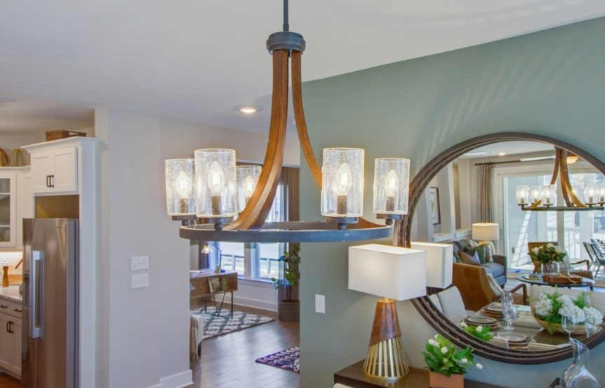 David_Weekley_dining_room_chandelier_Jenkins_Model_863x553.jpg