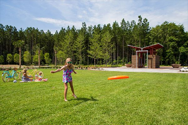 nexton-park-girl-throwing-frisbee.jpg