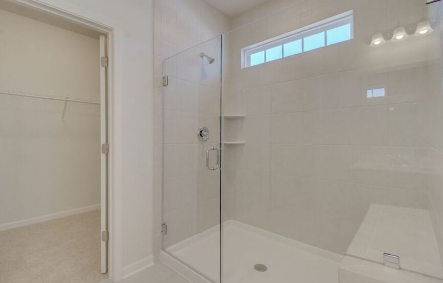 SC-IN-Nexton-Hawthorn-330 Watergrass-Owner's Shower_8.jpg