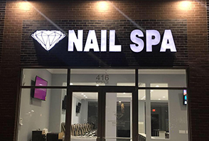 Diamond Nail Spa in Nexton Square
